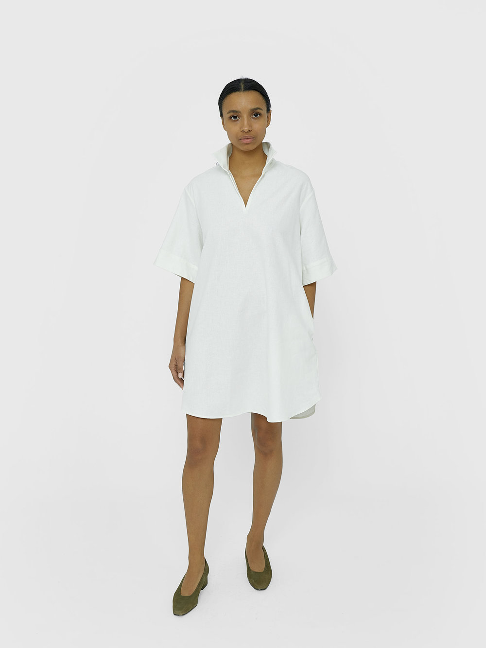 tunic-unisex-white-kirsten-one-dna-01.jpg