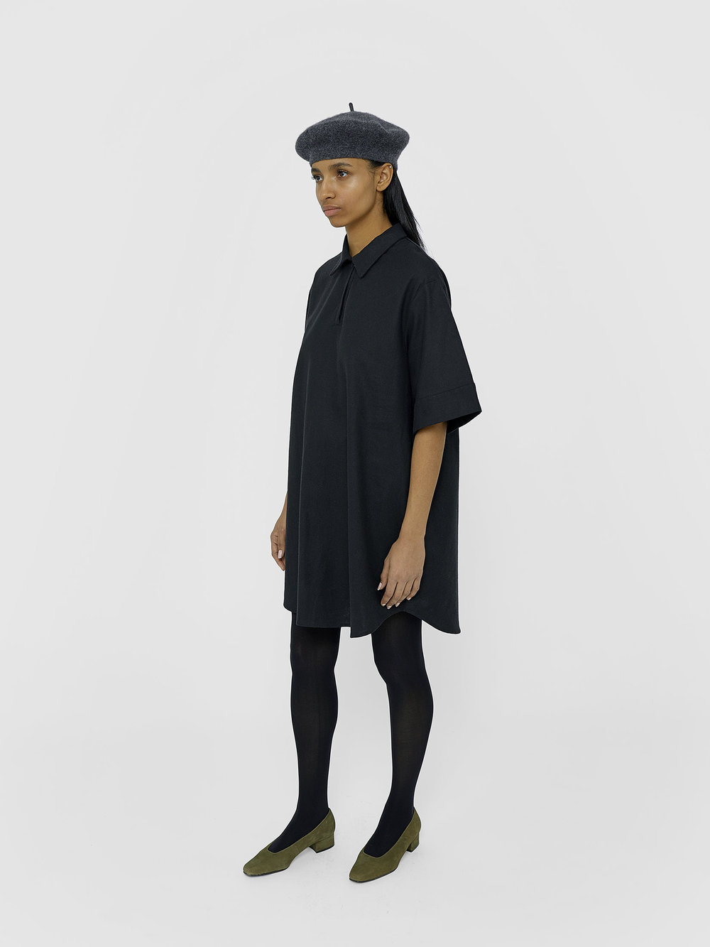 tunic-unisex-black-kirsten-one-dna-01.jpg