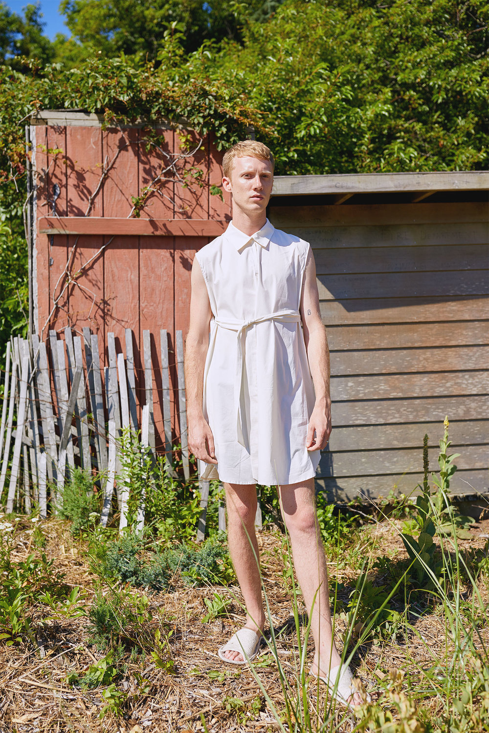 Hamp Wears Sleeveless Tunic for One DNA's SS19 Men's Lookbook