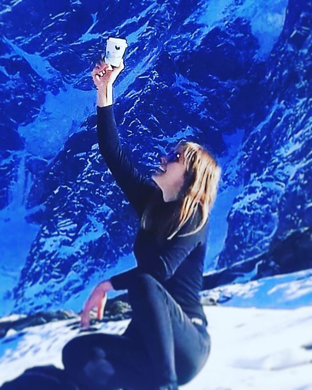 Exploring Alps with @cafealpin 🏔🏃‍♀️🏃😎☕️ #travel #exploring #alps #mountain #chamonix #cafealpin #randonees #hiking #coffee #energy #fun #lifestyle #montenvers #merdeglace