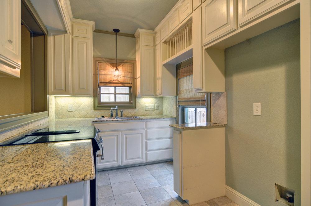 DSC_7812_Kitchen.jpg
