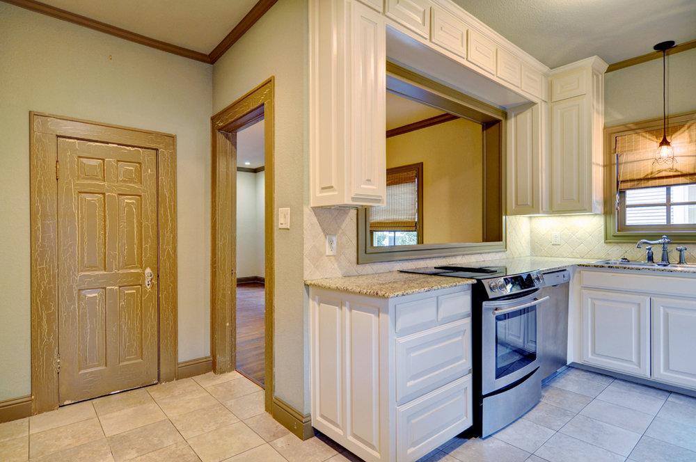 DSC_7824_Kitchen.jpg
