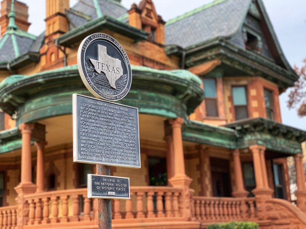 McFarland House -1110 Penn St. 76102