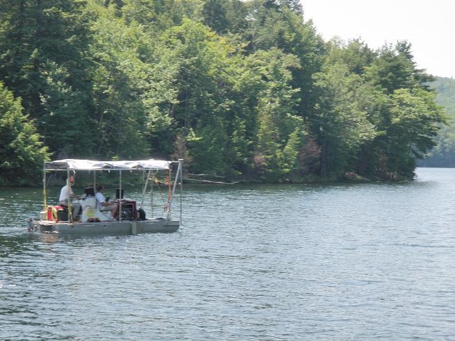 Survey-vessel-in-pond.jpg