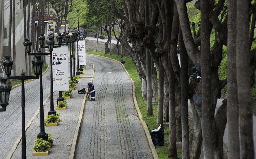MirafloresStreet2.jpg