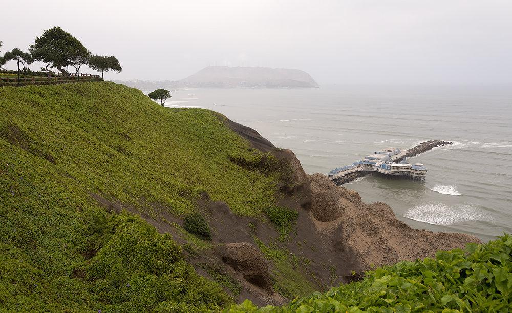 MirafloresCliffs.jpg