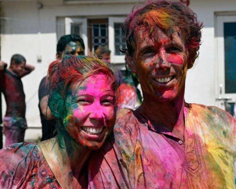 flow-yoga-teacher-training-pushkar-india-holi.jpg