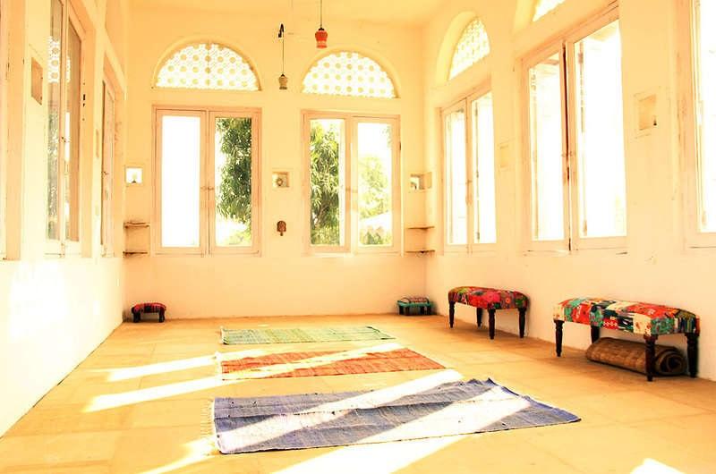 flow-yoga-teacher-training-pushkar-india-studio.jpg
