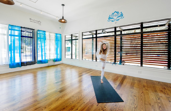 flow-yoga-teacher-training-in-austin-usa.png