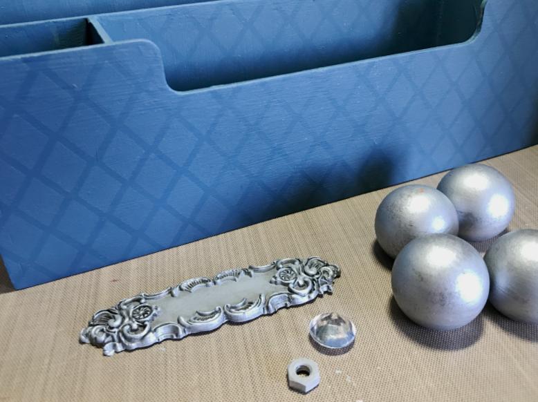 Metallic Silver paint on DIY Desk Organizer.png
