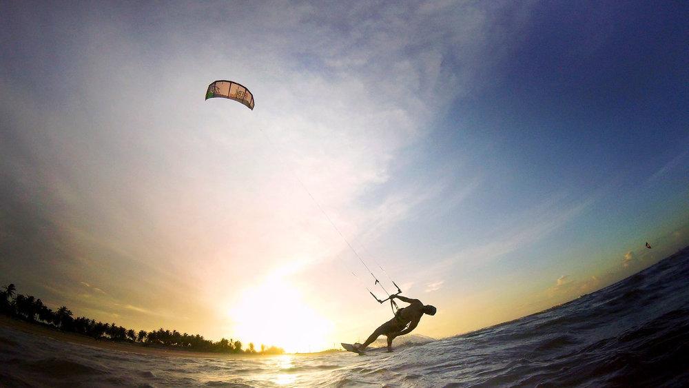 kitesurf+por+do+sol.JPG
