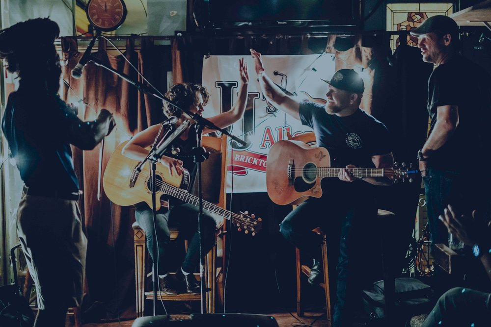photo of KALO at JJ's Alley with Stoney LaRue by Jamie VanCuren Photography