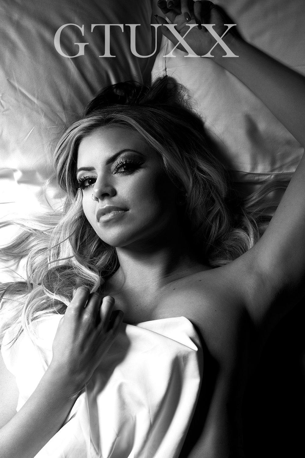 GTUXX Kayla Bed B&W web.jpg