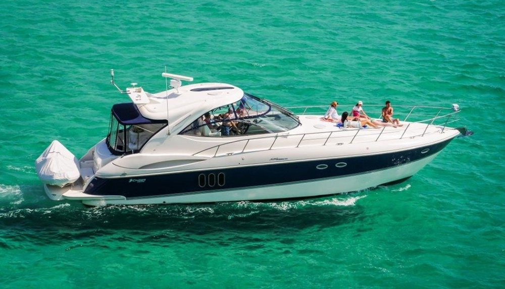 55 ft Cruisers / 13 guests max<br><b>From $900</b>