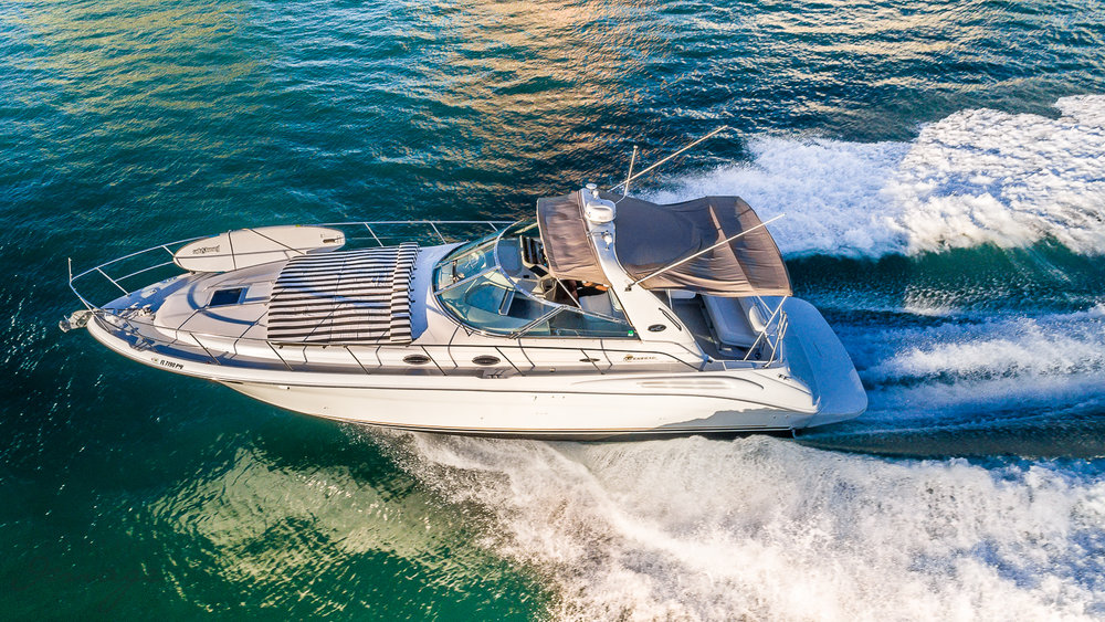 44 ft Sea Ray / 12 guests max<br><b>From $1000</b>