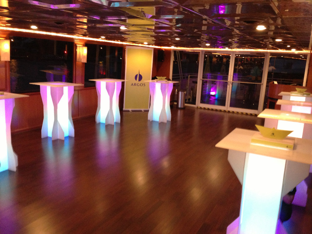 MIDNIGHT-SUN-YACHT-GLOW-LOUNGE.jpg