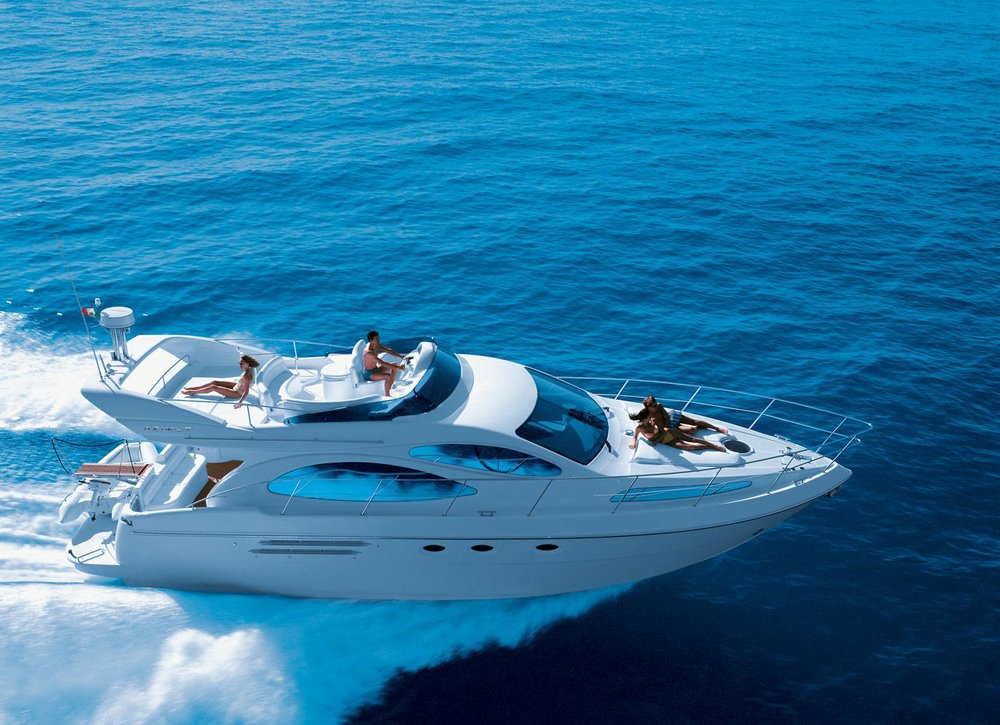 48 ft Azimut / 13 guests max<br><b>From $1600</b>