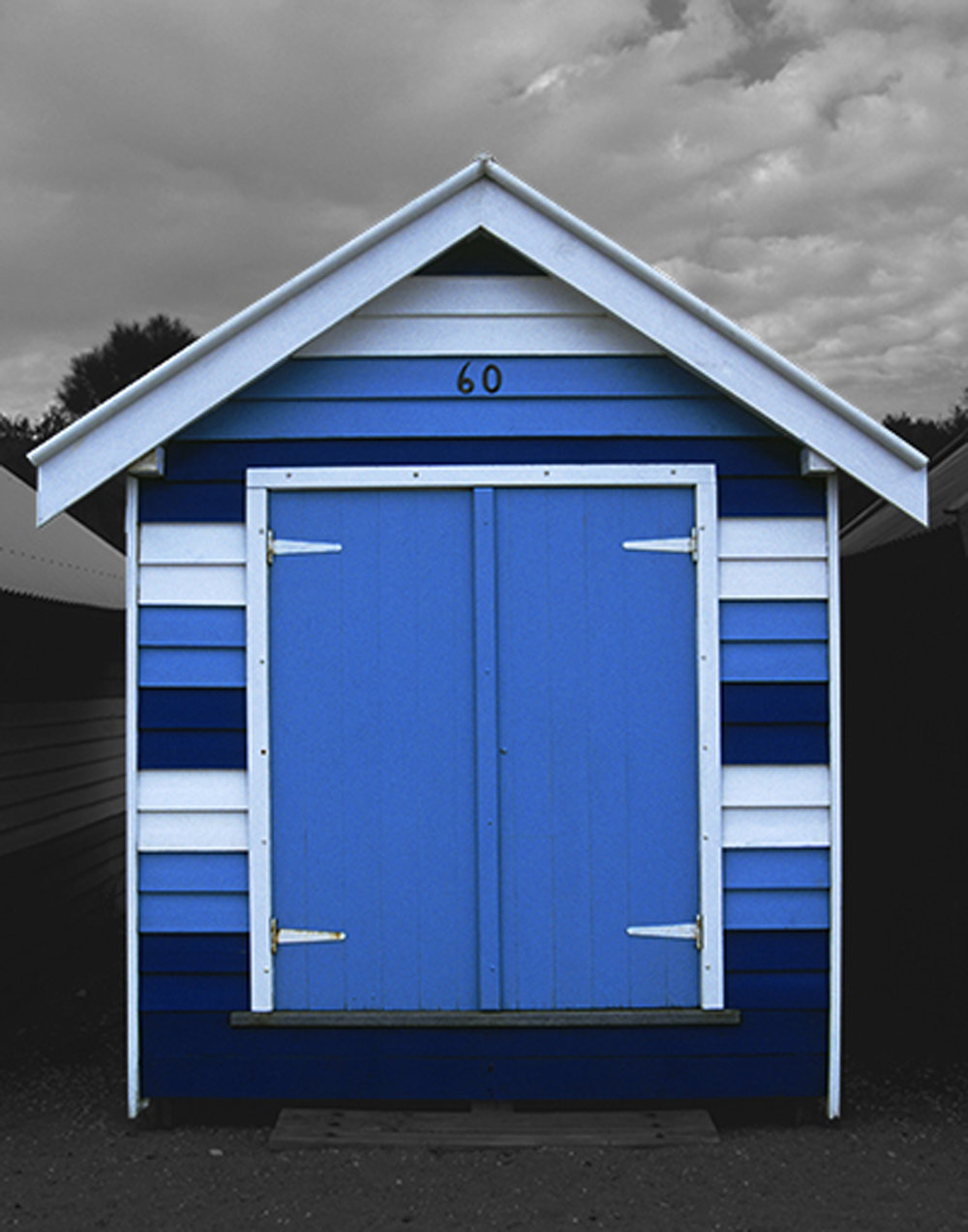 Beach Box #60, 20 x 16 inches / 50 x 40 cm, archival pigment print, edition of 15, 2003