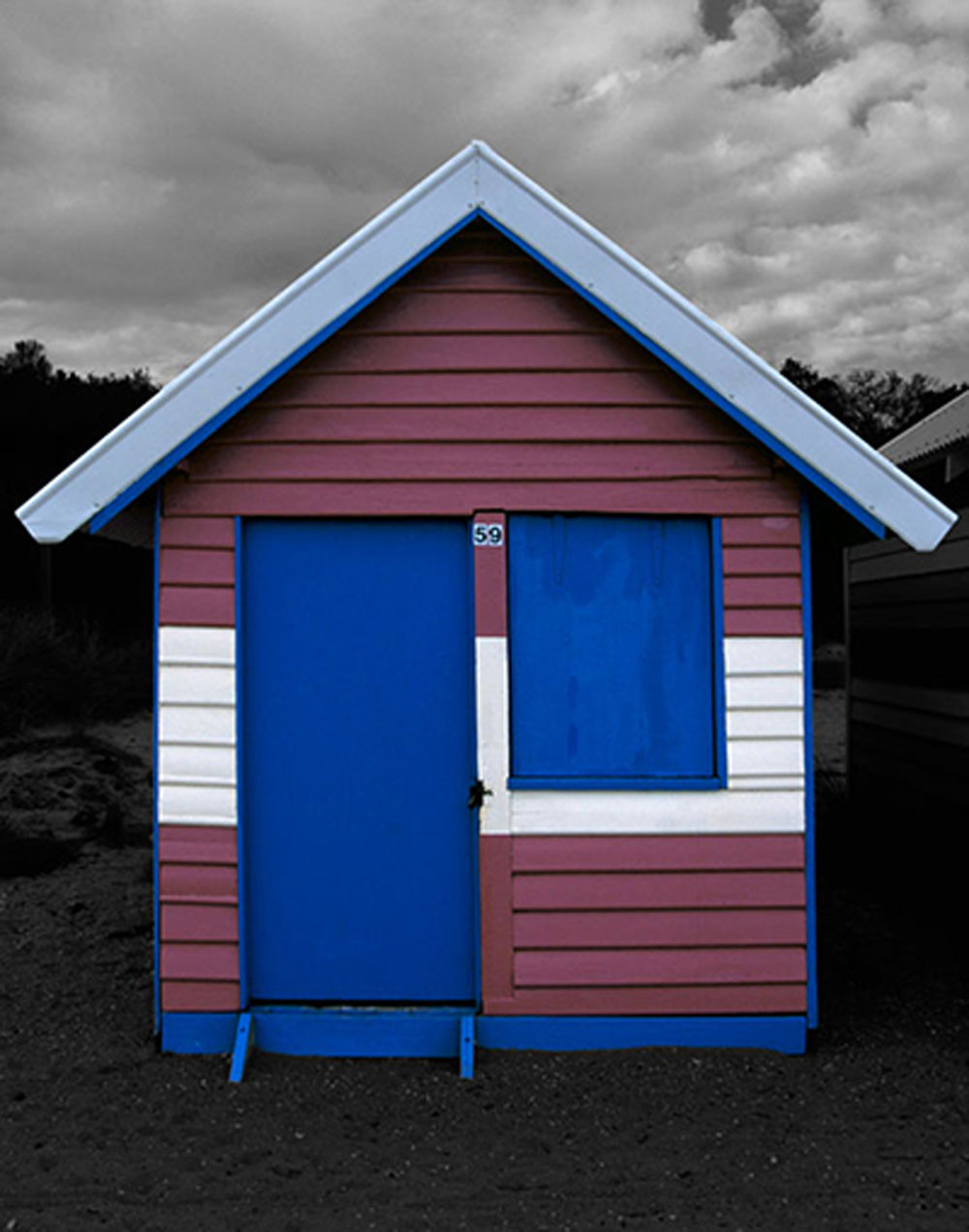 Beach Box #59  20 x 16 inches / 50 x 40 cm, archival pigment print, edition of 15, 2003