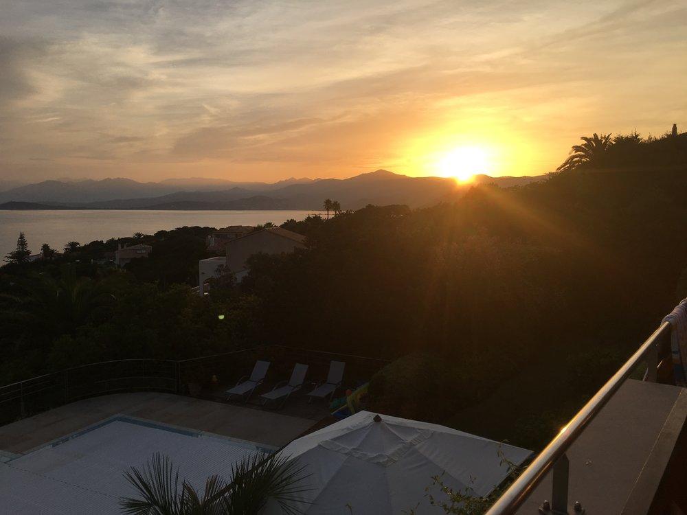 Sonnenaufgang Blick von der oberen Terrasse