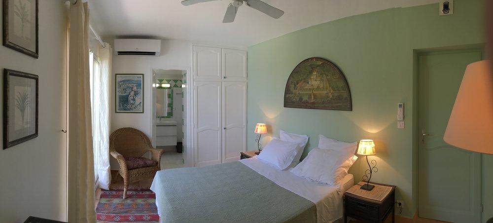 Grünes Schlafzimmer
