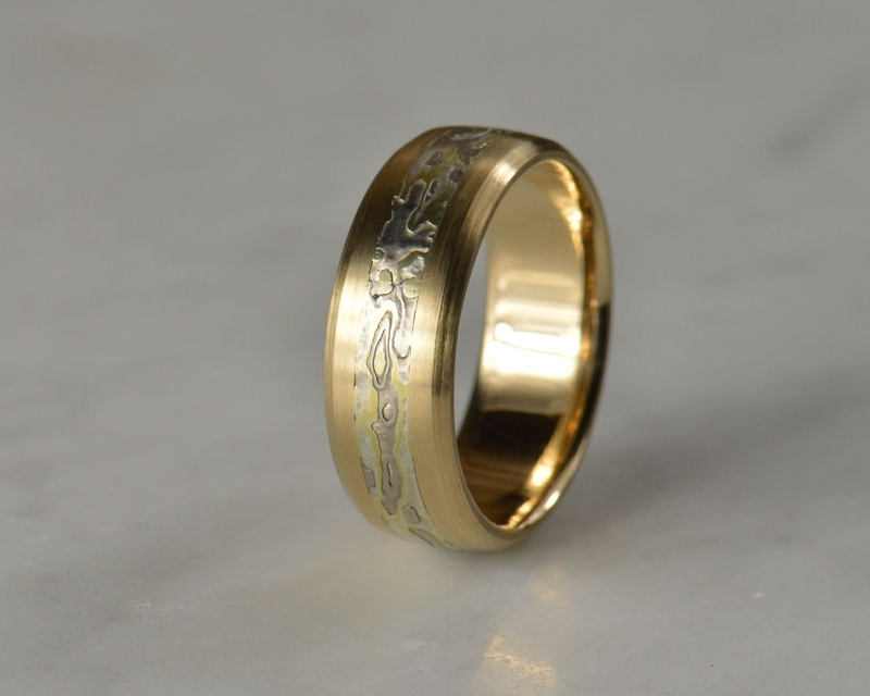 Make yourself one of our favorites. 18k bevel edge band with a burl patterned mokume inlay.