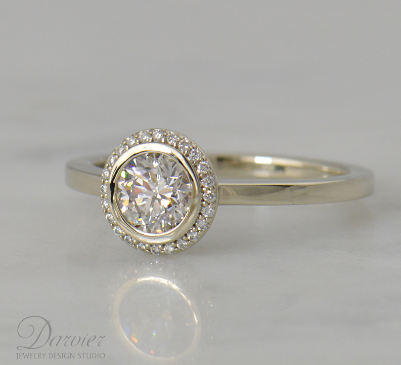 darvier-halo-diamond-bezel-14k-gold.jpg