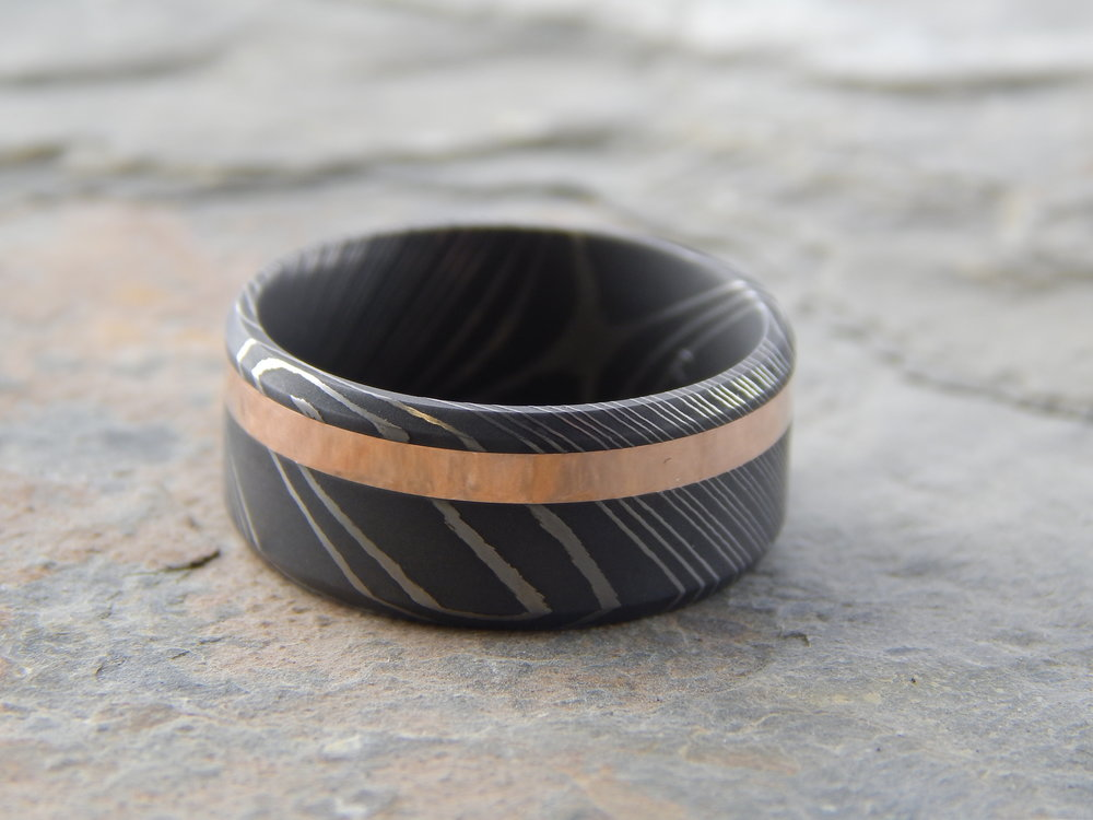 darvier-14k-rose-gold-carbon-damascus-bevel-edge-band.JPG