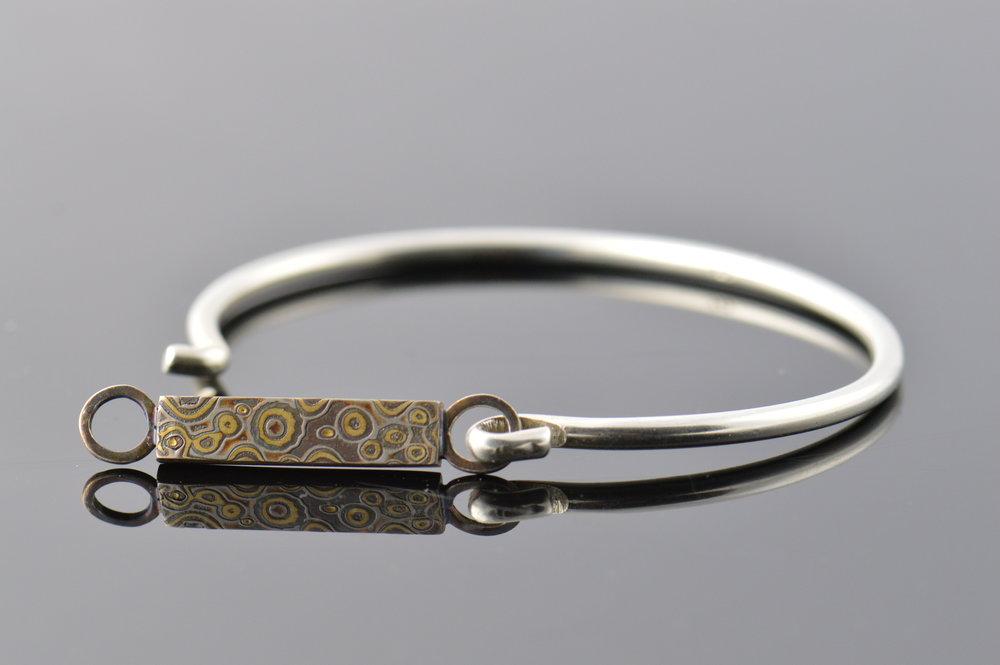 darvier-raindrop-mokume-bracelet-18k.JPG