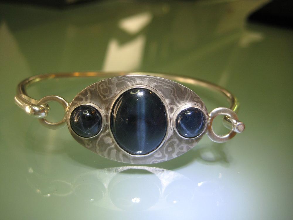 darvier-star-sapphire-palladium-mokume-bracelet.JPG