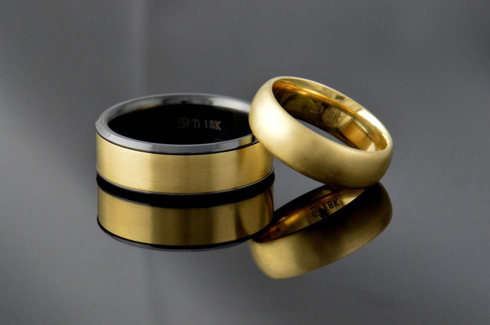 darvier-18k-recycled-gold-black-titanium.JPG