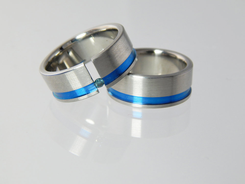 darvier-tardis-blue-tension-set-diamond-wedding-ring-set.JPG