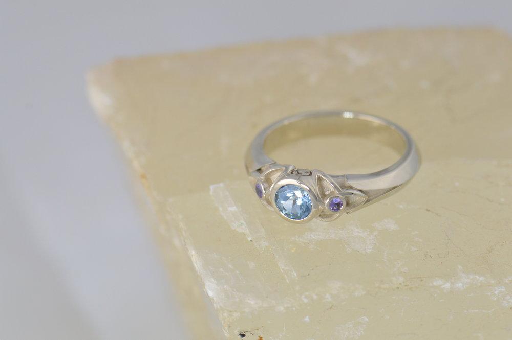 darvier-celtic-pastel-sapphire-ring.JPG