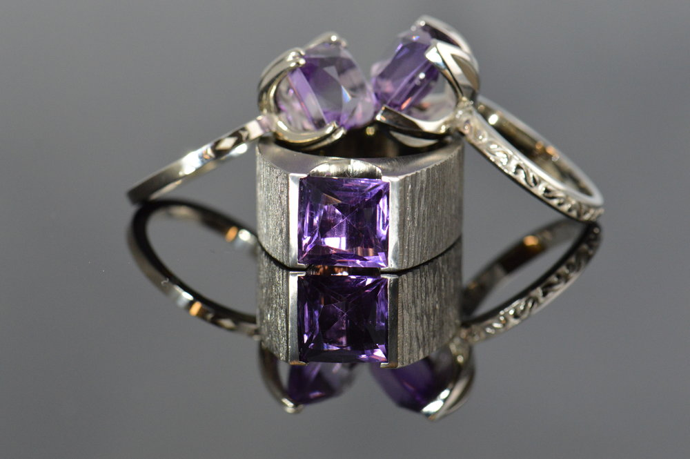darvier-amethyst-white-gold-sisters-rings.JPG