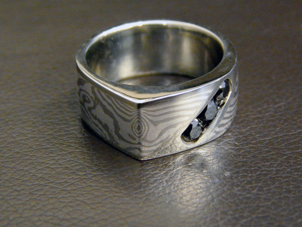 darvier-black-diamond-edge-mokume-wedding-ring.JPG