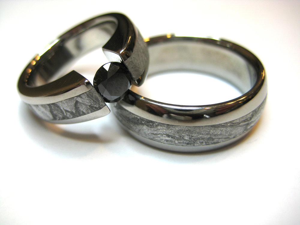 darvier-black-diamond-meteorite-tension-set-wedding-bands.JPG