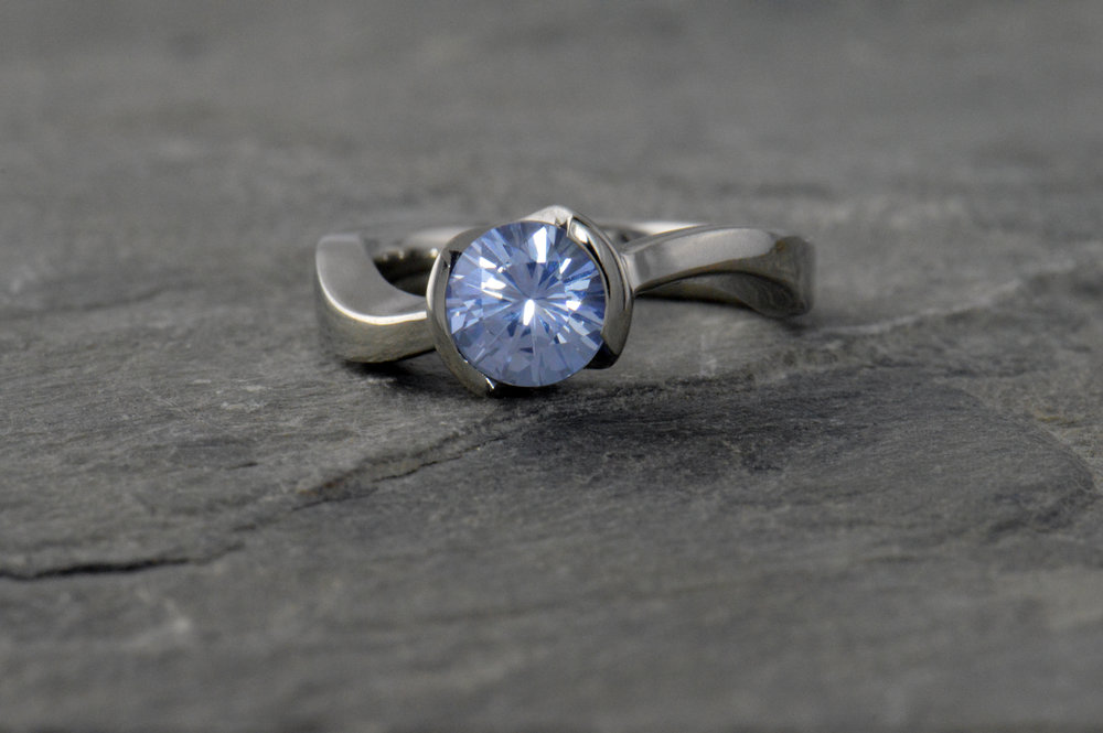 darvier-montana-sapphire-bezel-set-twist-engagement-ring.JPG
