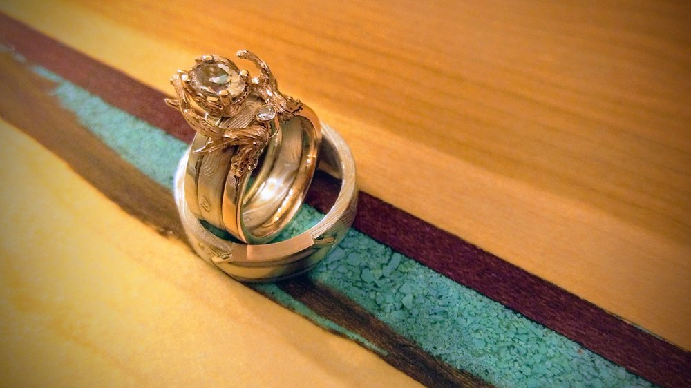 darvier-rose-gold-mokume-antler-morganite-diamond-wedding-set.jpg
