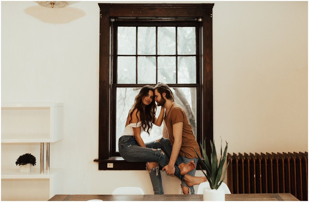 Bathtub | Intimate In Home Couples Photoshoot | Cassie Trottier Photography | Liz Vaugin | Couples Goals |