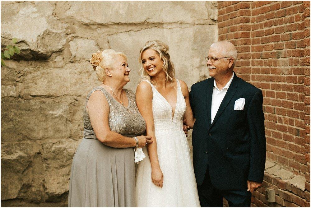 Chateau Rive Spokane Wedding Cassie Trottier Photography1011.jpg
