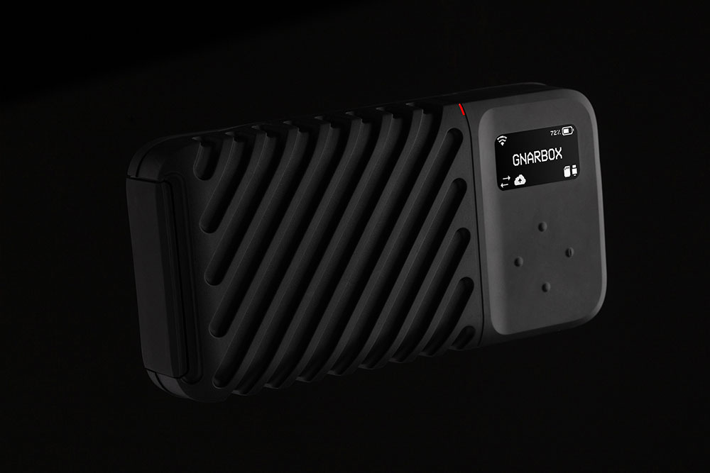 GNARBOX 2.0 1TB SSD backup device