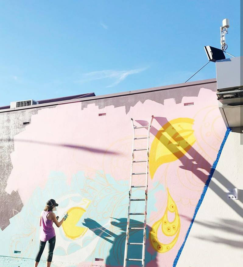 Photo by Finding Adelaide. Leah Grant painting at Tourrific Street Party 2018.
