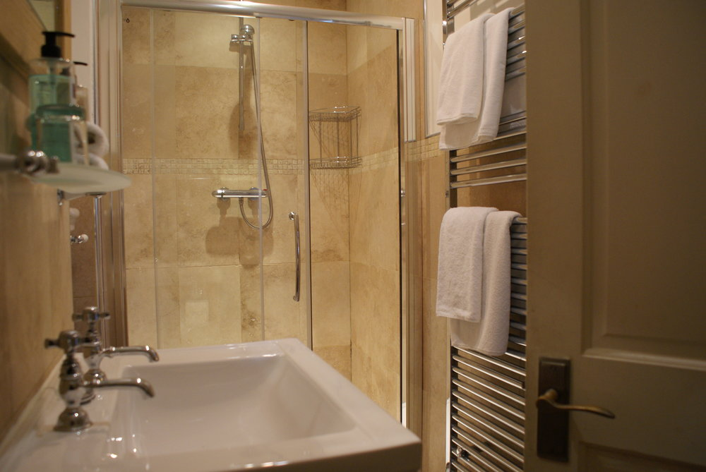 deluxe-rooms-inverness-3.JPG