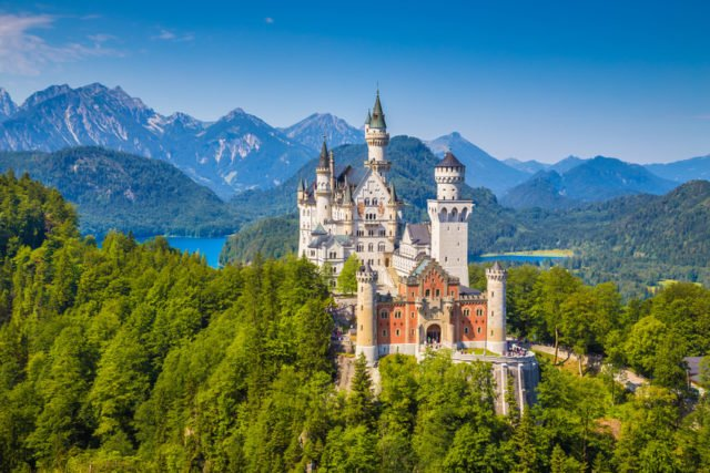 Neuschwanstein-Castle-640x427.jpg