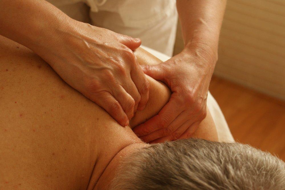 Kiropraktoren behandler ikke bare skjelettet, men tar også hensyn til musklene.