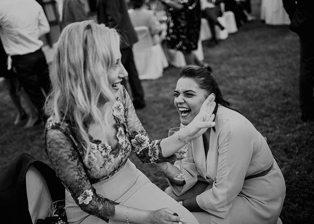 ⚡⚡⚡ . . . .  #friends #bestman #fineartwedding #pontevedra #vintagewedding #weddingvenue #engagement #loveandwildhearts #weddingplanning #galicia #brideandgroom #weddingdecor #galiciacalidade #fineartweddingphotographer #rusticwedding #proposal #weddingtime #bohowedding #thedailywedding #engagementsession #featuremeoncewed #junebugweddings #gettingmarried #destinationweddingphotographer #engagementphotos  #stylemepretty #shesaidyes #photobugcommunity