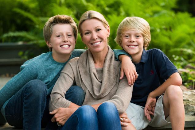 mother-sons-family-photographer.jpg