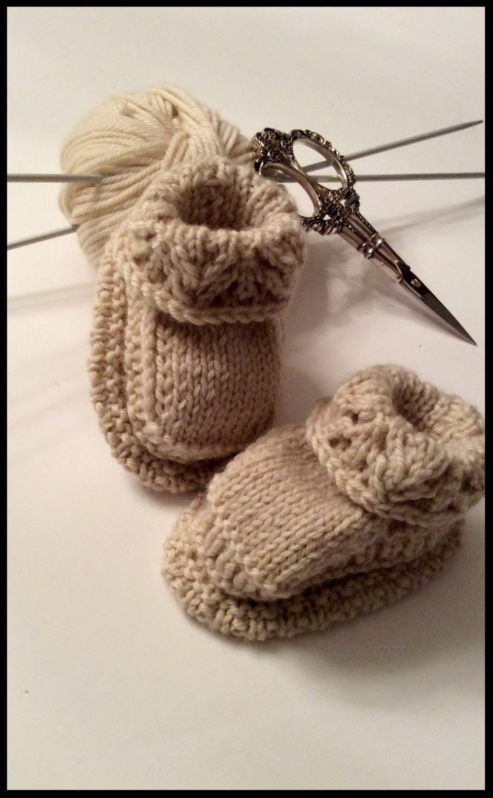 100% Cashmere baby bootees