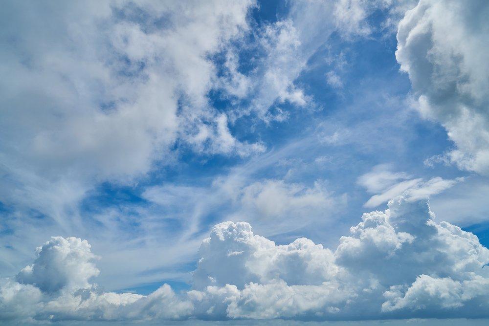 cloud-2294671_1920.jpg
