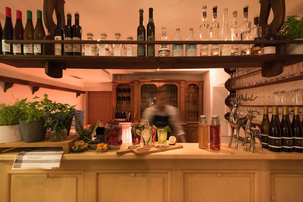 Barkeeper an der Bar im Tal1 München
